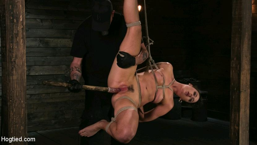 Lilith Luxe - Pain Slut Lilith Luxe Cums Relentlessly from Torment and Rope Bondage! (2017 | HD) (1.96 GB)