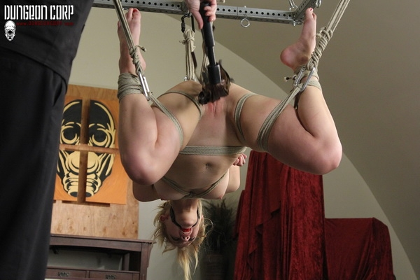 Mia Vallis - Tied and Trying to Talk (2020 | HD) (764 MB)