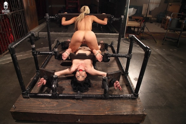 Cherie Deville, Kymberly Jane - Dual Domination In The Dungeon (2020 | SD) (93.6 MB)