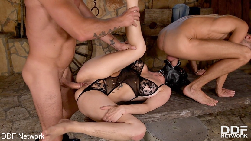 Mila Milan, Luca Ferrero, David Perry - BDSM (2020 | FullHD) (2.29 GB)