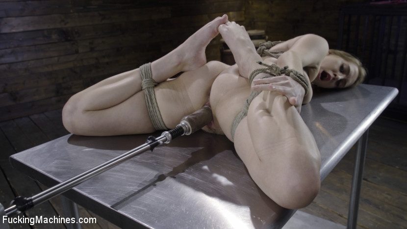 Cadence Lux - BDSM (2020 | HD) (1.41 GB)